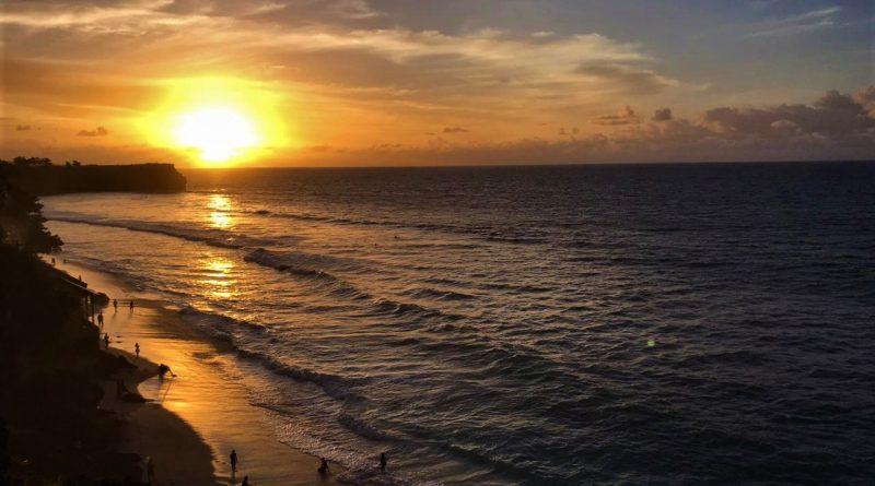 Sunset Yang Indah Di Balangan