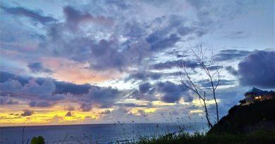 Sunset di Pantai Melasti