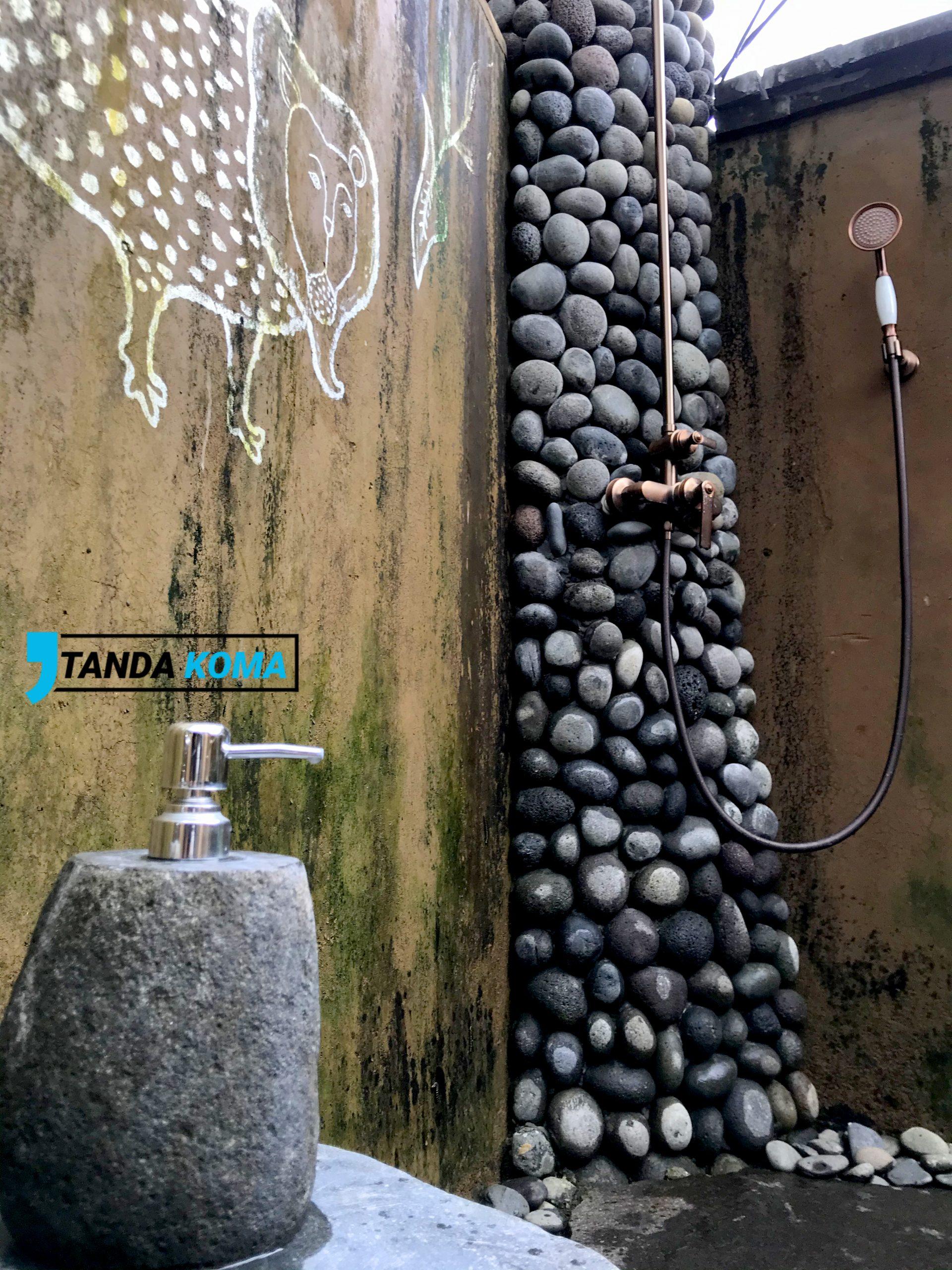 Standing Shower Vila