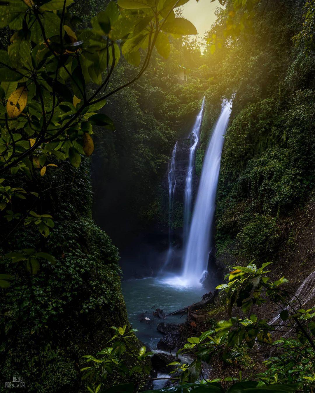 Aling Aling Waterfall Air Terjun di Bali