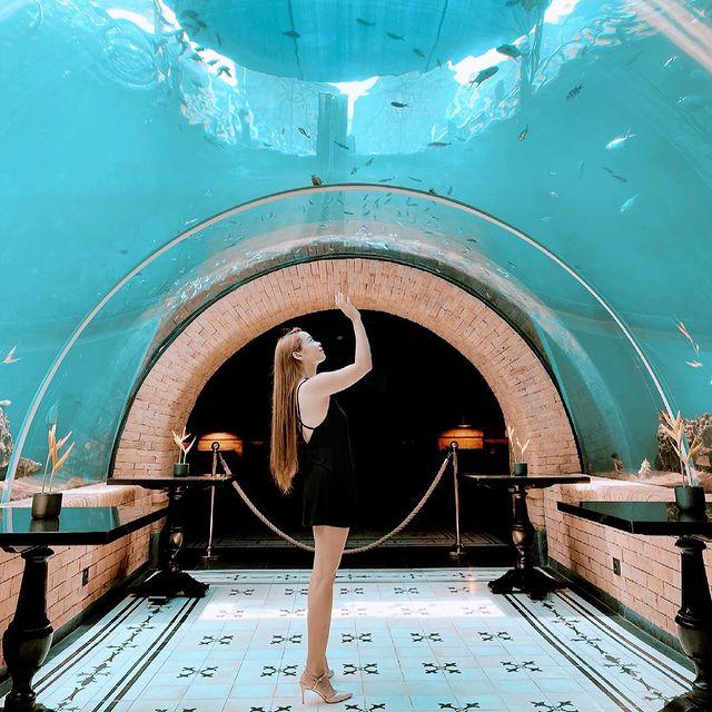 Koral Restaurant Tunnel Dining