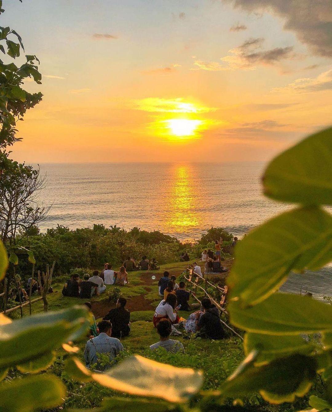 Sunset Di Batu Jaran Hill