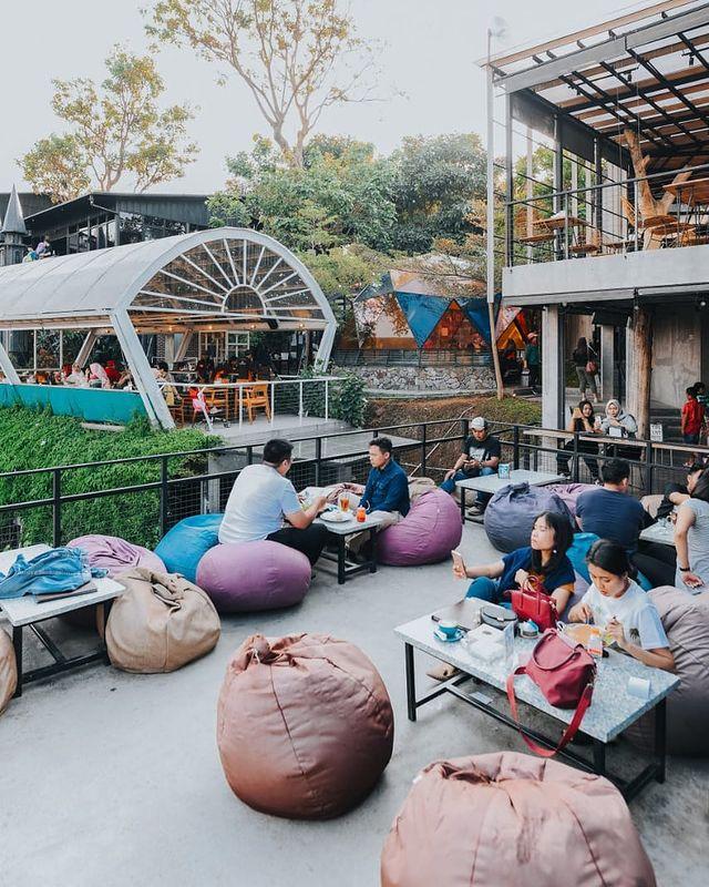 Cakrawala Bandung Cafe