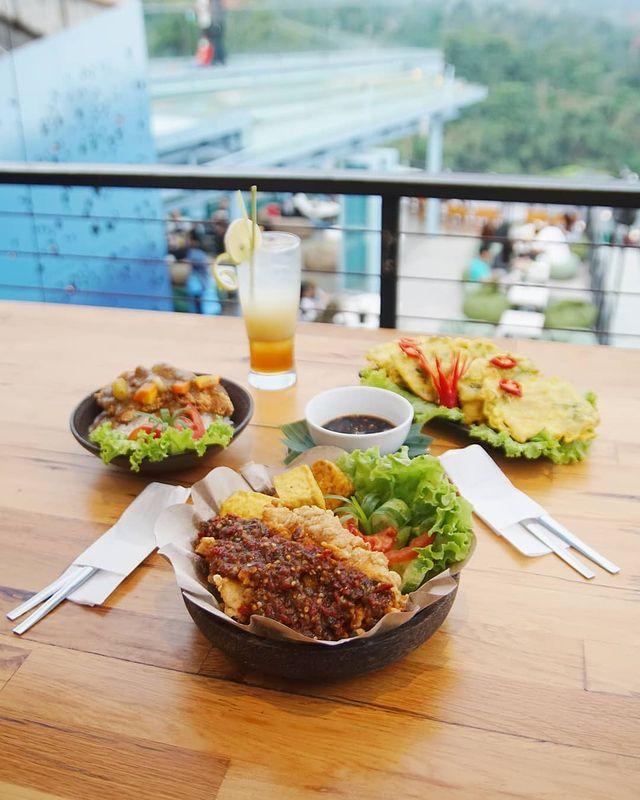 Cakrawala Bandung Makanan