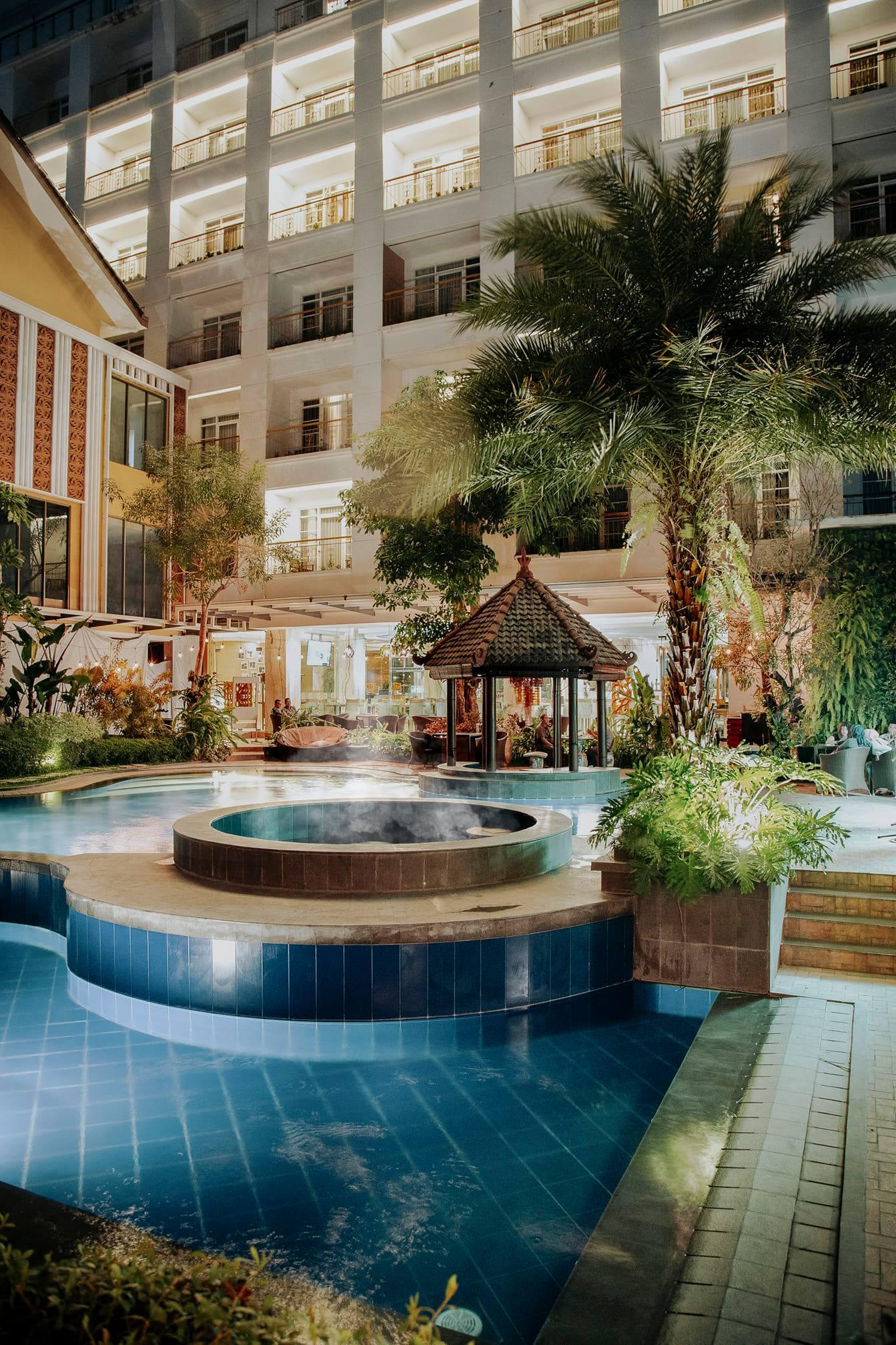 KJ Hotel - Pool