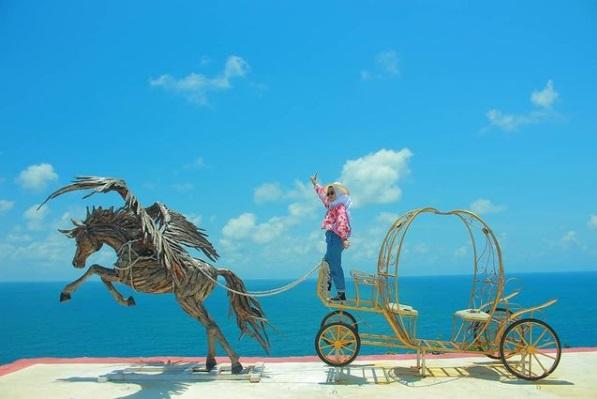 Ayo terbang bersamaku ke langit dengan kuda terbang ala Puncak Segoro Jogja